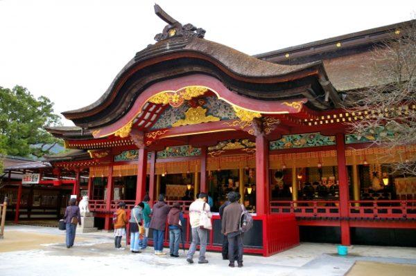 太宰府天満宮へ初詣のアクセスは車か電車か?交通規制やシャトルバス情報も!