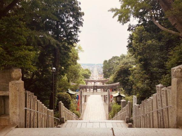 宮地嶽神社の駐車場の情報! 車で家族そろっての年末年始の初詣もこれで安心